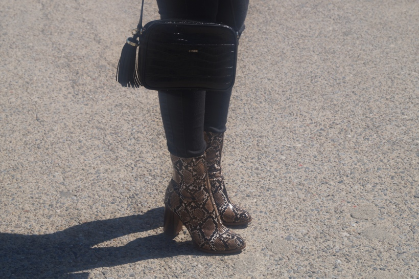 botines y bolso